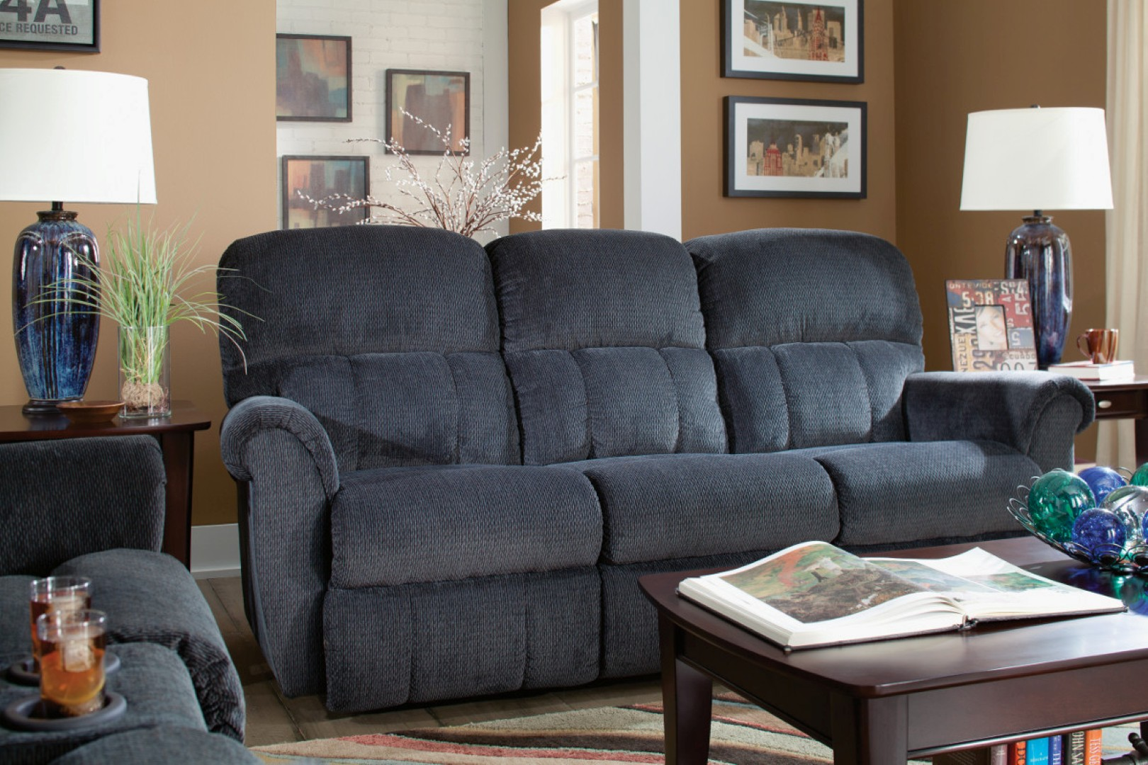 La Z Boy Briggs Reclining Sofa Town Amp Country Furniture